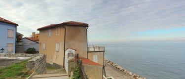 Vista sul mare - una bella vista di Piran, Slovenia Immagine Stock