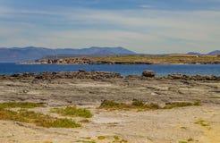 Vista sul mare vicino all'isola di Carloforte di San Pietro, Carbonia-Iglesia fotografie stock libere da diritti