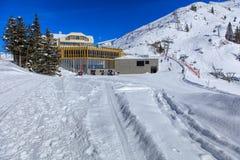 Vista sul Mt Titlis nelle alpi svizzere Immagine Stock