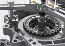 Vista sul nuovo dettaglio pulito dell'elemento della frizione del camion dell'automobile con la sezione trasversale Pulisca il co Fotografia Stock