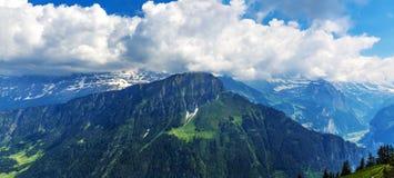 Vista sul paesaggio della montagna della Svizzera Immagini Stock