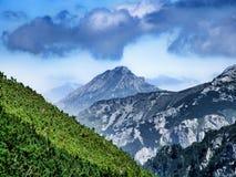 Vista sul picco di Havran in Belianske Tatra in Slovacchia fotografia stock libera da diritti