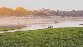Vista sul ponte di U Bein fotografie stock