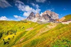 Vista sul Sassolungo & sul x28; Langkofel& x29; la montagna ha suonato Immagine Stock