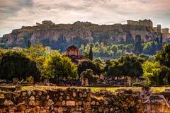 Vista sull'acropoli dall'agora antico, Atene, Grecia Immagine Stock