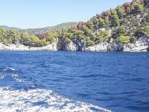 Vista sull'isola di Skopelos, Grecia fotografia stock