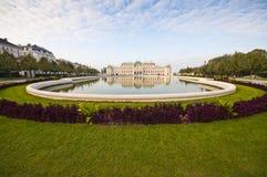 Vista sulla bella fontana davanti al palazzo di Schonbrunn in Vien Fotografia Stock Libera da Diritti