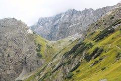 Vista sulla catena di montagna delle alpi (karwendel) Fotografie Stock Libere da Diritti