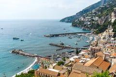 Vista sulla città del mare da sopra Immagine Stock