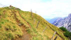 Vista sulla scena della montagna nelle montagne del karwendel delle alpi europee Immagine Stock Libera da Diritti