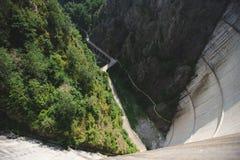 Vista sulla strada dalla diga Fotografia Stock