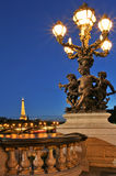 Vista sulla torre Eiffel da Alexander il ponte III. Fotografia Stock Libera da Diritti