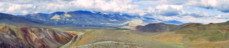 Vista sulla torrente montano Kyzylchin, Siberia, Russia di Altai Fotografia Stock Libera da Diritti