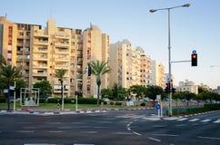 Vista sulle costruzioni di appartamento al tramonto Fotografie Stock