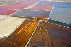 Vista sulle miniere di sale situate fra Wallis Bay e Swakopmund in Namibia fotografia stock libera da diritti