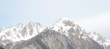 Vista sulle montagne alte sulle alpi italiane Fotografia Stock