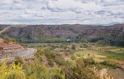 Vista sulle montagne e sulle vigne di Ardeche Fotografia Stock