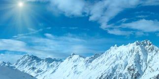 Vista sunshiny Austria di inverno delle alpi di Silvretta Panorama Immagine Stock