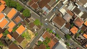 Vista superior aérea das estradas transversaas em Seminyak, Bali video estoque