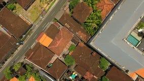 Vista superior aérea das ruas em Seminyk, Bali video estoque