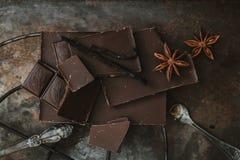 Vista superior Barra de chocolate Chocolate escuro imagens de stock royalty free