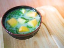 Vista superior Cendol ou Lod-chong, em tailandês, são uma sobremesa popular Fotografia de Stock Royalty Free