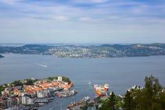 Vista superior da cidade de Bergen imagens de stock royalty free
