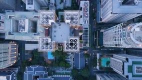 Vista superior da cidade moderna com arranha-céus Antena de uma paisagem surpreendente em uma cidade com arranha-céus modernos e Fotografia de Stock Royalty Free