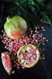 Vista superior da romã cor-de-rosa com semente Fotografia de Stock