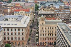 Vista superior da rua pedestre da compra em Budapest Foto de Stock Royalty Free