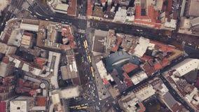 Vista superior das ruas com tráfego de carro filme