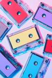 vista superior de casetes audios coloridos dispuestos fotografía de archivo libre de regalías
