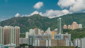 Vista superior de edificios en el día en el timelapse urbano de las finanzas, ciudad de Hong-Kong almacen de video