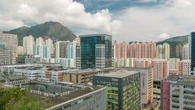 Vista superior de edificios en el día en el timelapse urbano de las finanzas, ciudad de Hong-Kong almacen de metraje de vídeo