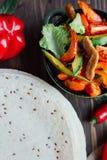 Vista superior de fachitos y del pan mexicanos de la tortilla fotos de archivo libres de regalías