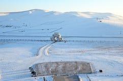 Vista superior de Genghis Khan Equestrian Statue na noite do inverno Porta da entrada fotos de stock