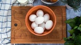 Vista superior de huevos en cuenco Foto de archivo libre de regalías