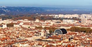 Vista superior de la ciudad de Lyon y del teatro de la ópera viejos de Lyon Fotos de archivo libres de regalías