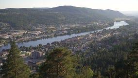 Vista superior de la ciudad de Drammen en Noruega metrajes