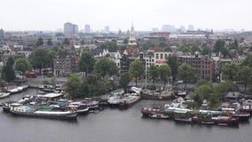 Vista superior de la ciudad vieja de Amsterdam en el verano metrajes