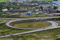 Vista superior de la intersección de cruce giratorio, carretera de circunvalación Fotos de archivo