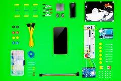 Vista superior de la mesa del ingeniero del hardware Fotografía de archivo libre de regalías