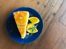 vista superior de la torta anaranjada foto de archivo