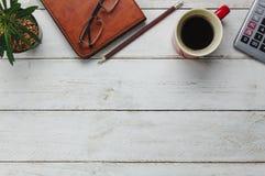 Vista superior de las finanzas del negocio de los accesorios y del fondo del concepto de contabilidad Fotografía de archivo libre de regalías