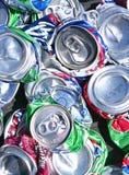 Vista superior de latas de soda curshed em uma pilha Fotografia de Stock