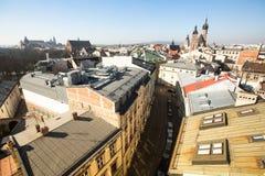 vista superior de los tejados de la ciudad vieja en el centro Fotos de archivo libres de regalías
