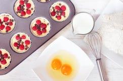 Vista superior de molletes inmaduros con los ingredientes Fotos de archivo