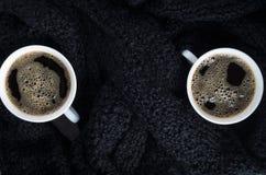 Vista superior de pequeñas tazas de café blancas Foto de archivo