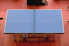 Vista superior de una tabla de los tenis de mesa Fotografía de archivo
