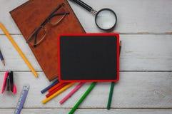 Vista superior de volta ao conceito e ao escritório para negócios da escola imagem de stock